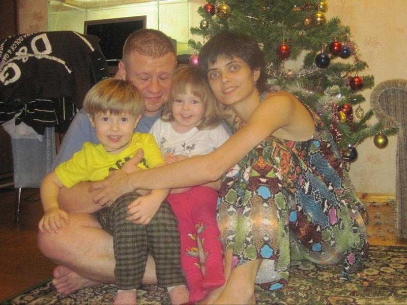 Светлана Курденкова с семьей